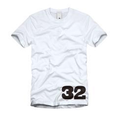 32 Tシャツ